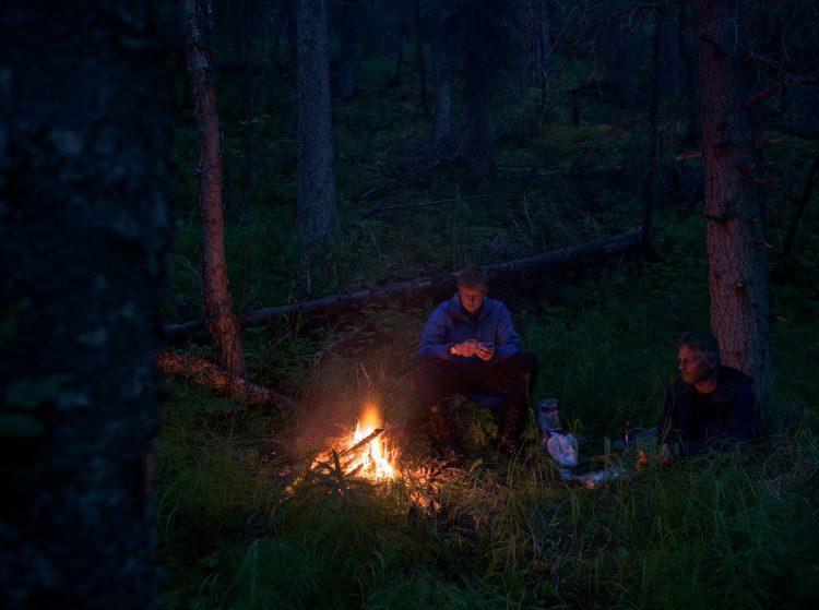 Sommerferien 2015 – bæring av utstyr fra Nonvianuk lake til American creek Alaska 16 juli 2015
