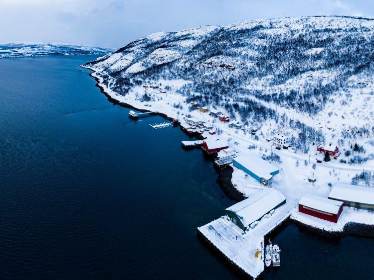 Vindfullt og snøskredfare i påsken 2018 Smalfjord i Tana
